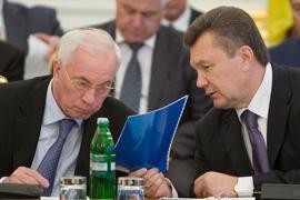 Янукович недоволен Азаровым. Хочет увольнения?