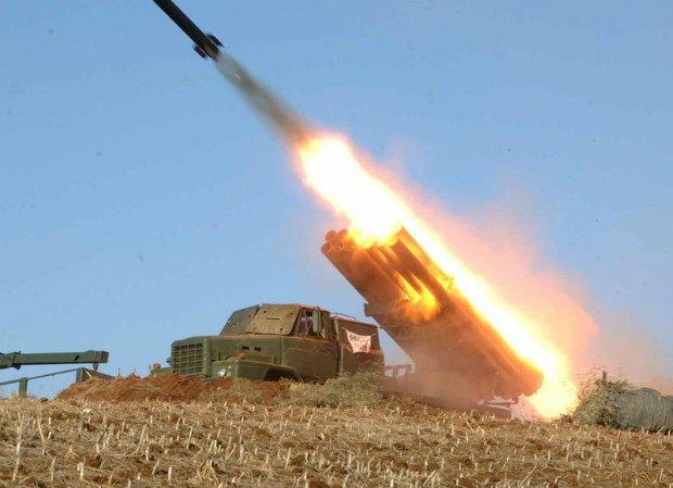 Запуск учебных ракет в КНДР