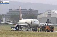 В Ирландии загорелось шасси у самолета с военными США