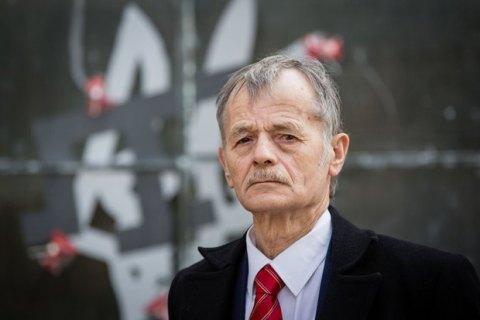 Джемилев назвал недоразумением стычку участников блокады Крыма и полиции