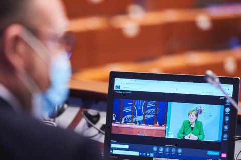 Меркель в ПАСЕ призвала к диалогу с Россией