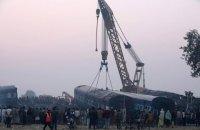 Число погибших в железнодорожной катастрофе в Индии возросло до 142 человек (Обновлено)