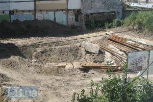В Десятинном переулке уничтожают остатки княжеского дворца