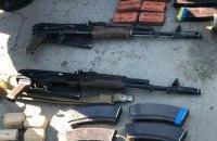 Со склада воинской части в Николаеве пытались продать автоматы, тротил и пластид