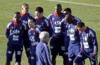 Во Франции недовольны действиями сборной в обороне