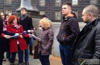 Волонтеры обвинили Минсоцполитики в саботаже оформления машин для АТО