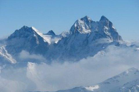 На Эльбрусе нашли тела трех украинских альпинистов, пропавших в 2004 году
