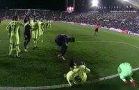 """Голлівудські симуляції не допомогли гравцям """"Барселони"""" в матчі Кубка Іспанії"""