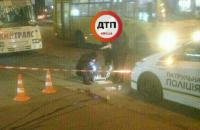 В Киеве на остановке застрелился мужчина (обновлено)