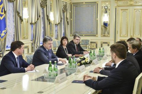 Порошенко пообещал не допустить досрочных парламентских выборов