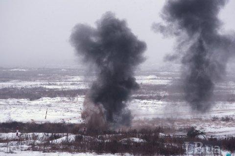 На Донбассе при обстреле автомобиля погиб капеллан, четверо военных ранены (обновлено)