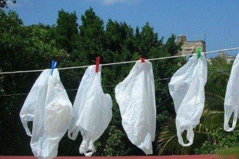 У Брюсселі заборонили пластикові пакети