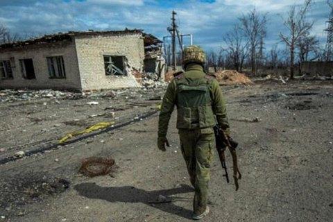 В результате обстрела боевиков на Донбассе ранен военный