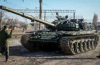 Под Луганском идет бой: боевики подтягивают танки