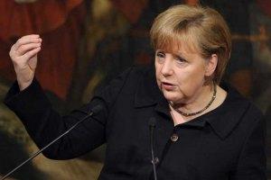 Меркель будет решать в последние минуты, ехать ли в Украину