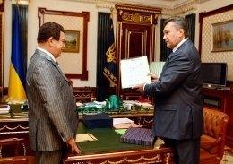Янукович пишається відомим земляком Кобзоном