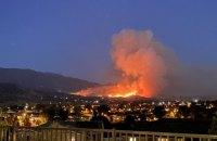 Через лісові пожежі у Каліфорнії евакуювали майже 8 тис. людей