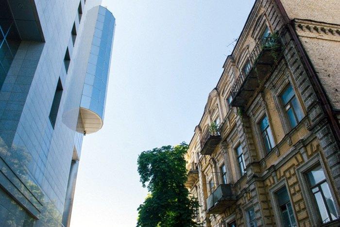 Дом на Аллы Тарасовой 4, Киев