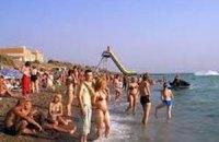 """""""Власти"""" Крыма насчитали 200 тысяч украинских туристов, отдохнувших в этом году"""