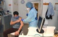 Президент Угорщини зробив щеплення китайською COVID-вакциною Sinopharm