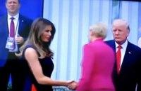 Первая леди Польши не пожала руку Трампу во время протокольной встречи