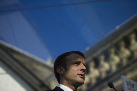 Управління гнівом. Як Макрон вирішив урегулювати протести в Франції
