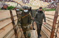 Зеленський побував на позиціях військових біля Криму