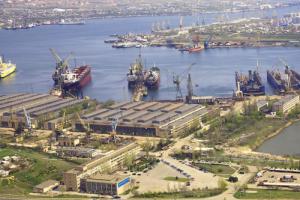 Крупнейший в Украине судоремонтный завод пустят с молотка