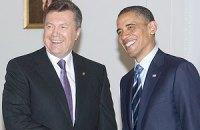 Янукович перекинувся з Обамою кількома словами