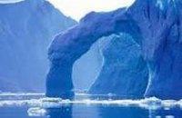 Гренландия планирует продавать воду тающих ледников