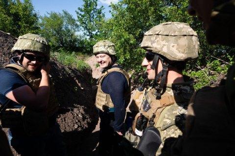 Порошенко анонсировал помощь еще одной бригаде в зоне АТО