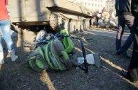 В Константиновке военный тягач наехал на трех человек (обновлено)
