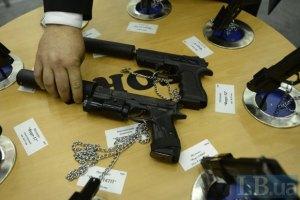 Кабмин выделил сотни миллионов на оружие и патроны