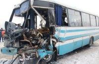 В Житомирской области фура столкнулась с рейсовым автобусом