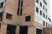 Двое подростков пытались совершить самоубийство в Черновицкой области, прыгнув с недостроя