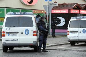 В Финляндии 18-летний парень открыл стрельбу по людям