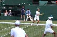Під час півфінального матчу Вімблдону тенісистові розбили голову