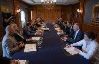 На зустрічі з діаспорою в Торонто Зеленський пообіцяв захищати українську мову