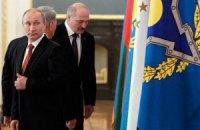 Лукашенко пообещал Путину подставить плечо