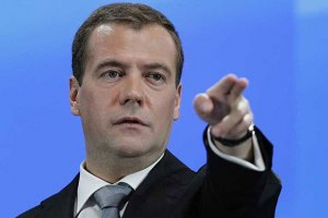 Медведев требует наказать виновников неудач в космосе
