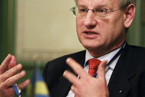 Бильдт обеспокоен торговой войной России против Украины