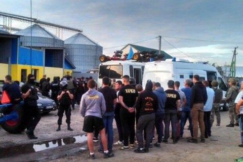 Суд Харкова заарештував 15 підозрюваних у спробі захоплення елеватора