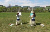 """""""Можна я намалюю тут сонце?"""" Історії трьох дівчат, які поїхали вчителювати в провінцію"""