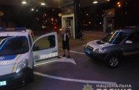 В Киеве мужчина угрожал взорвать гранату на АЗС