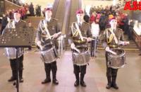 До дня героїв Крут військові влаштували флешмоб на залізничному вокзалі в Києві