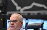 Евро потерял на межбанке пять копеек