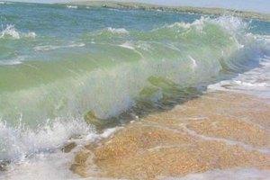 На Азовском побережье затопило пляжи