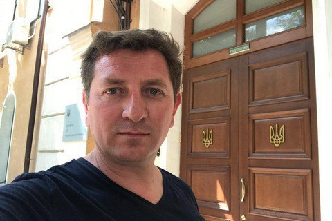 Бывший сотрудник администрации Порошенко подал в суд на Зеленского