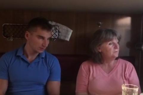 Мати російського військового Агєєва, затриманого біля Жолобка, приїхала в Україну