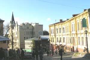 Киевские власти обещают отреставрировать Андреевский спуск к 2012 году